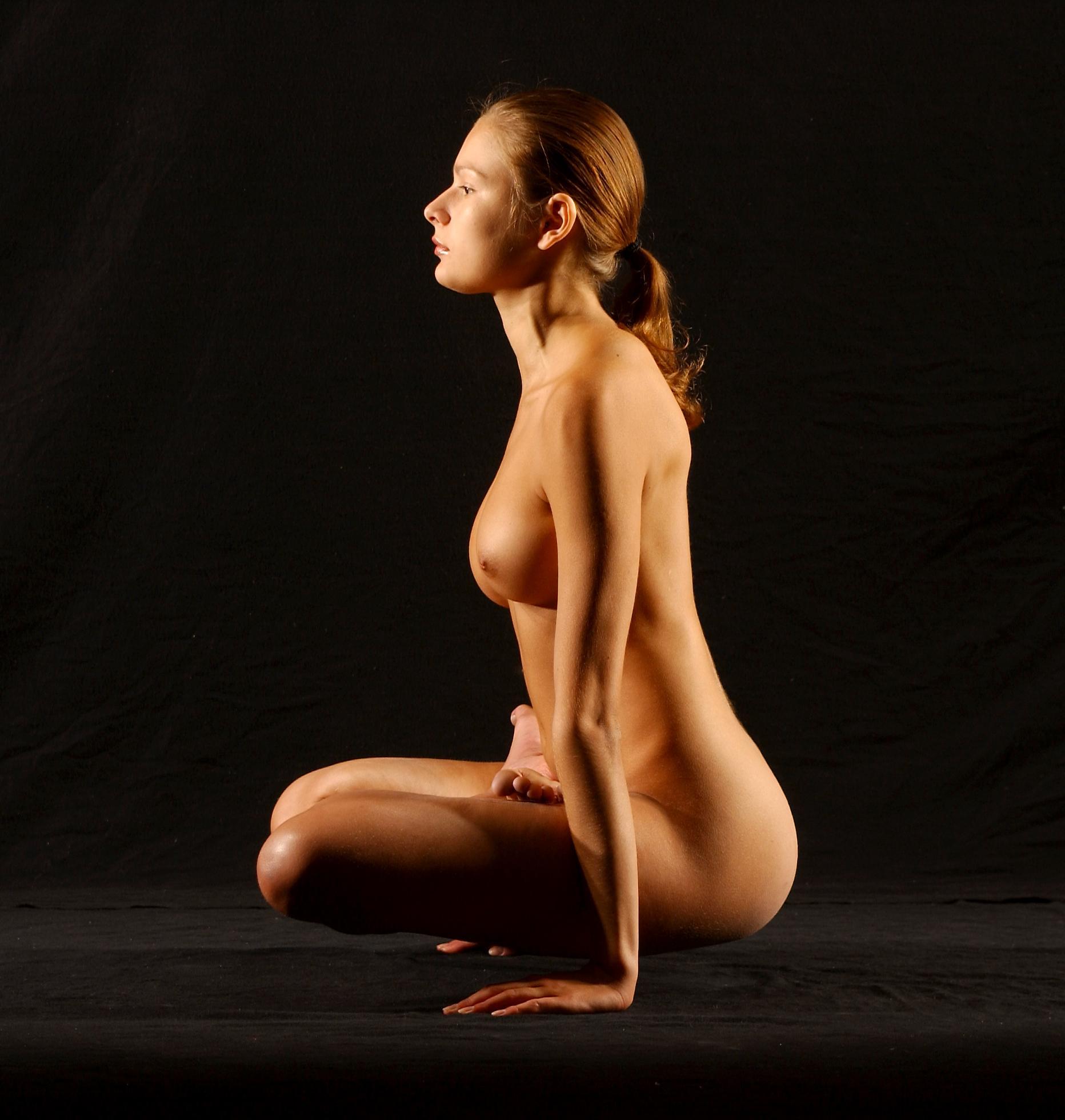 Фото эротическая йога для зрелых полных 20 фотография
