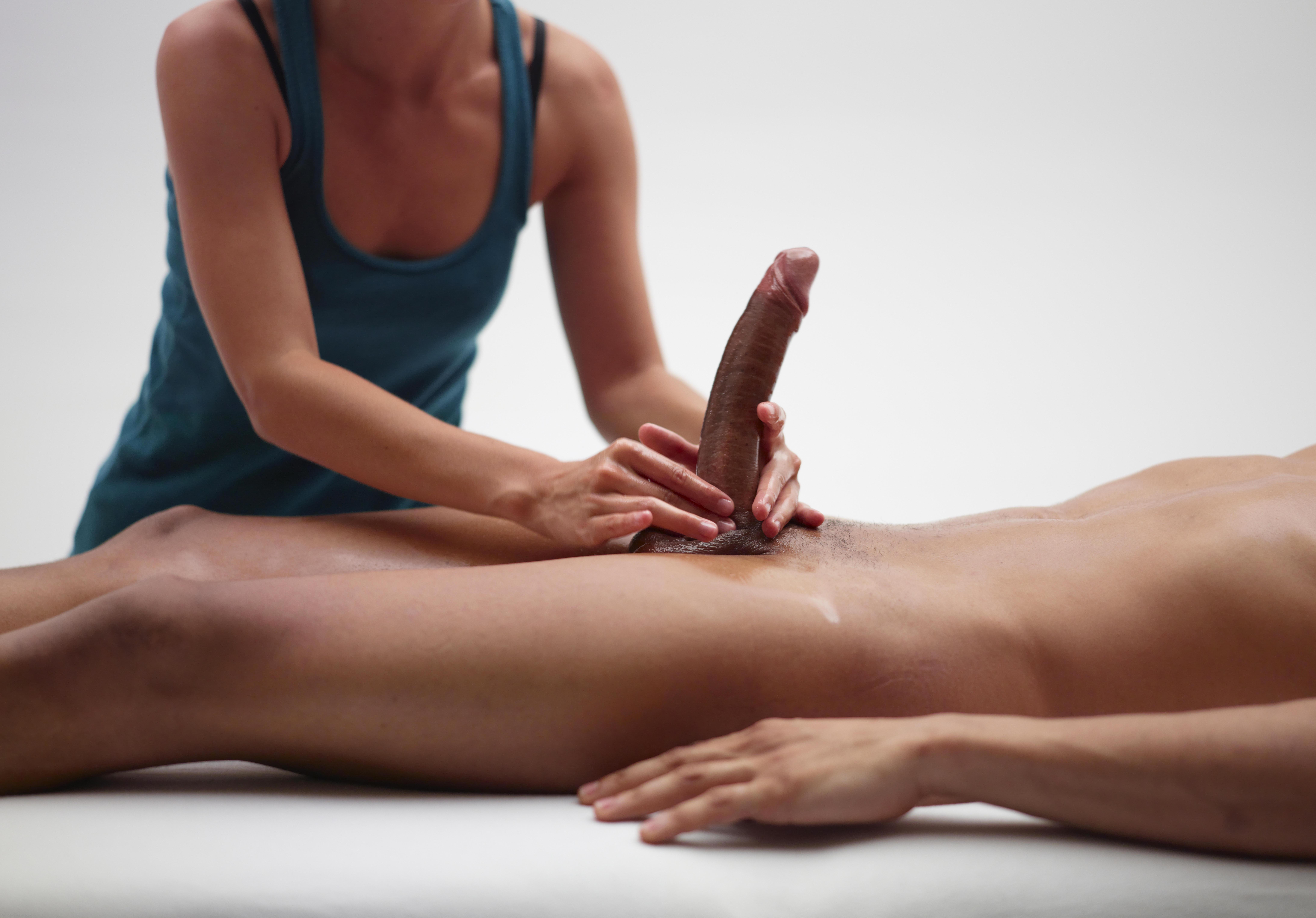 Иротический массаж полового члена