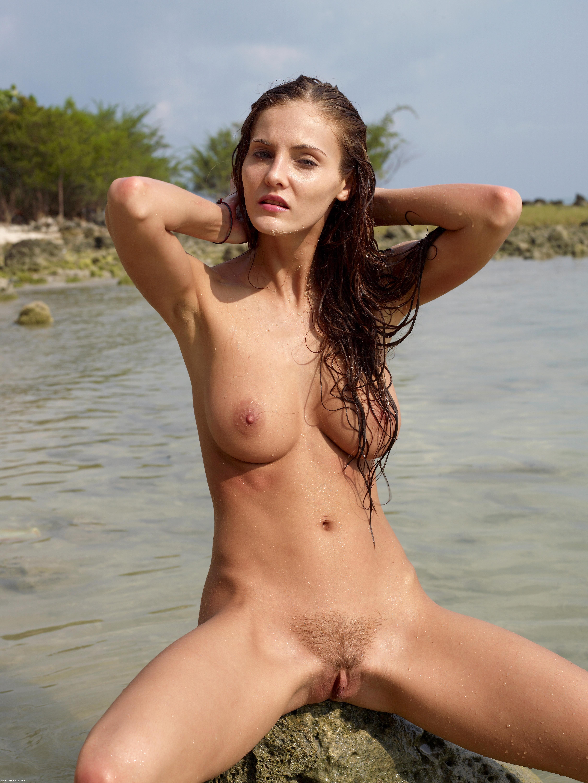 bb escort naket på stranden