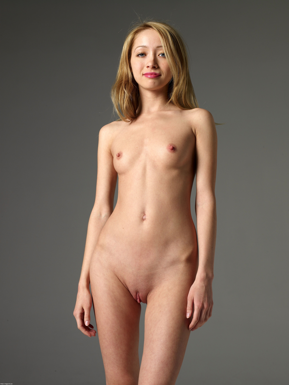 girl nude in mud