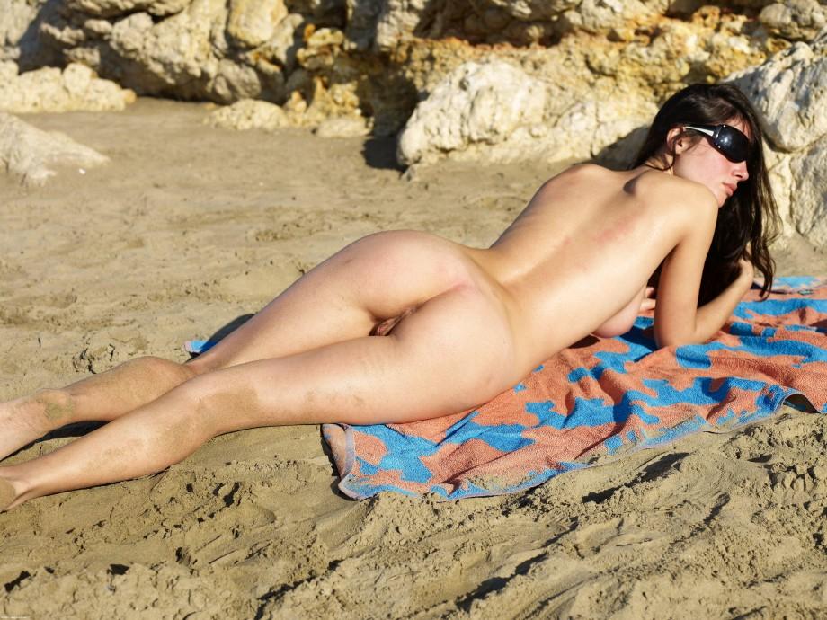 на голая пляже видео обычном