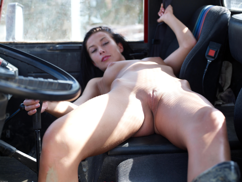 Hanna Truck Driver 092507 026 xxxl