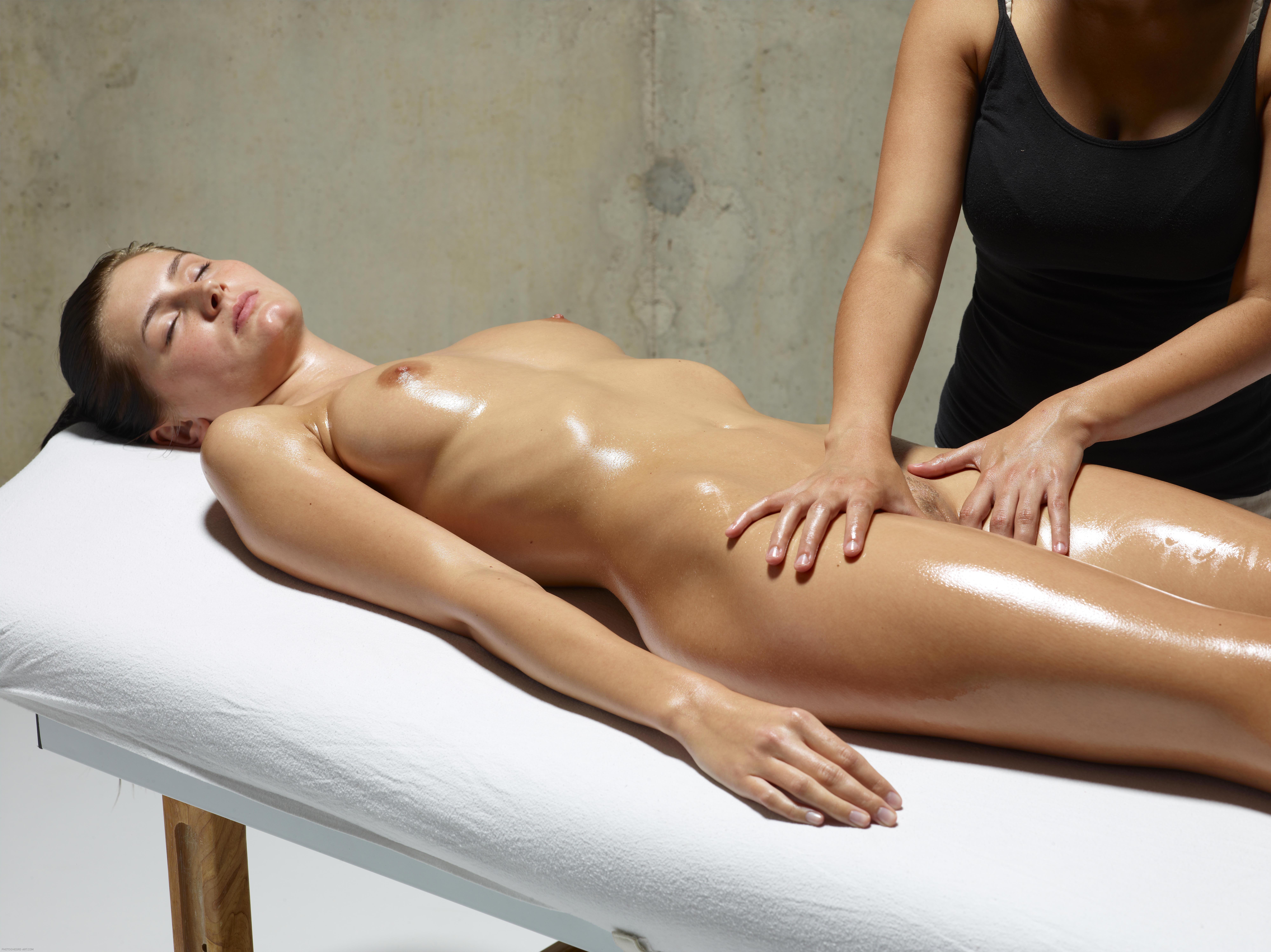 chuvstvenniy-eroticheskiy-massazh