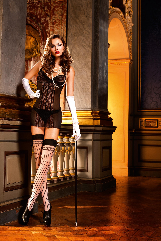 Фото девушек в костюмах в сеточку