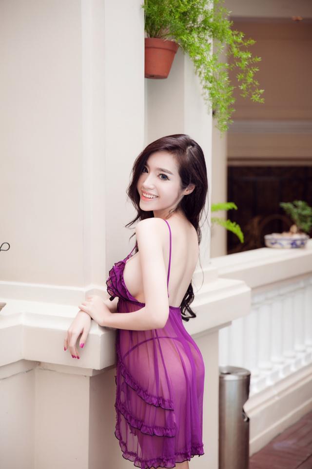 Elly Tran Ha 22