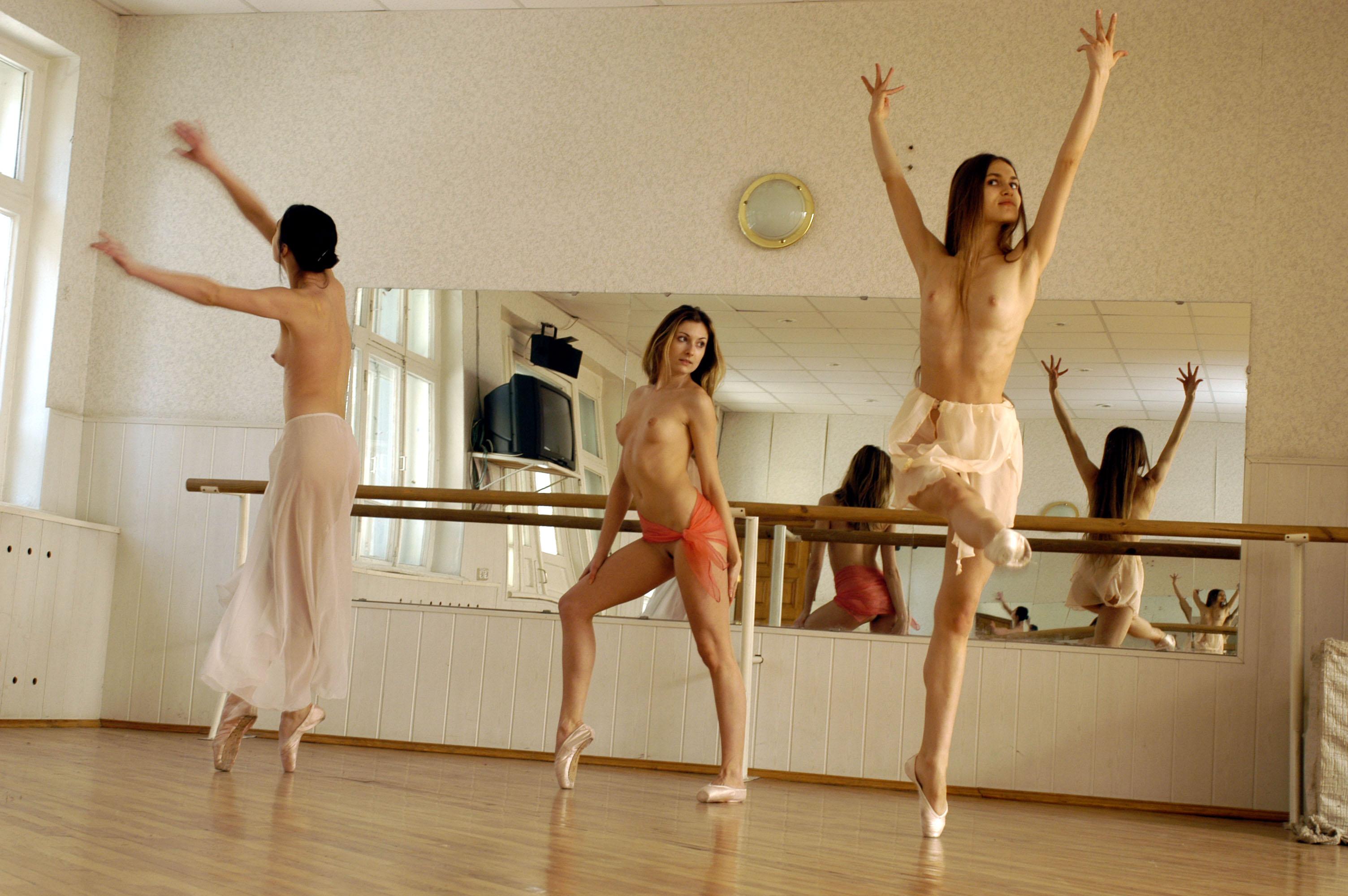 smotret-video-golie-balerini