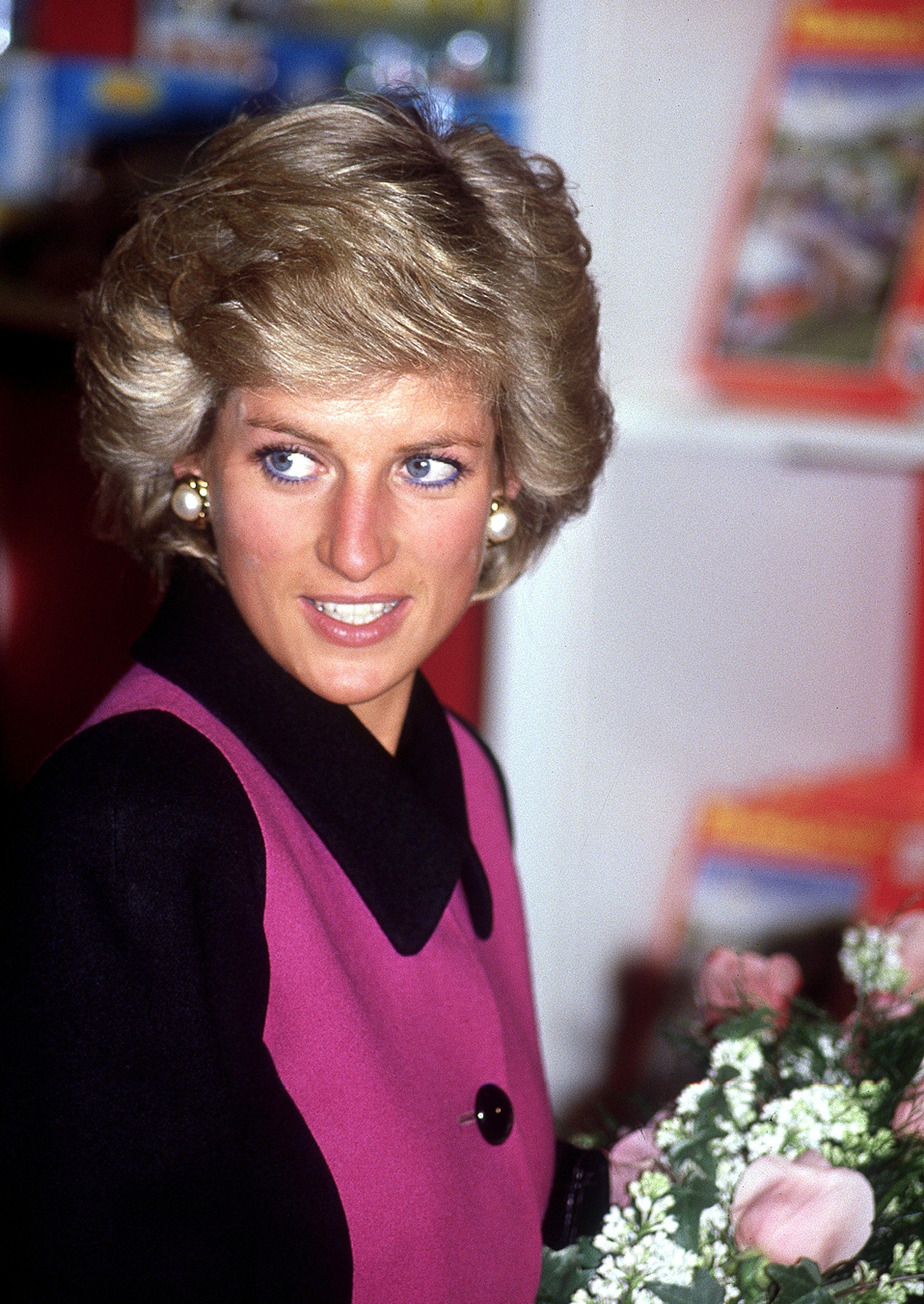 Diana princess of wales princess diana pinterest for Princess diana new photos