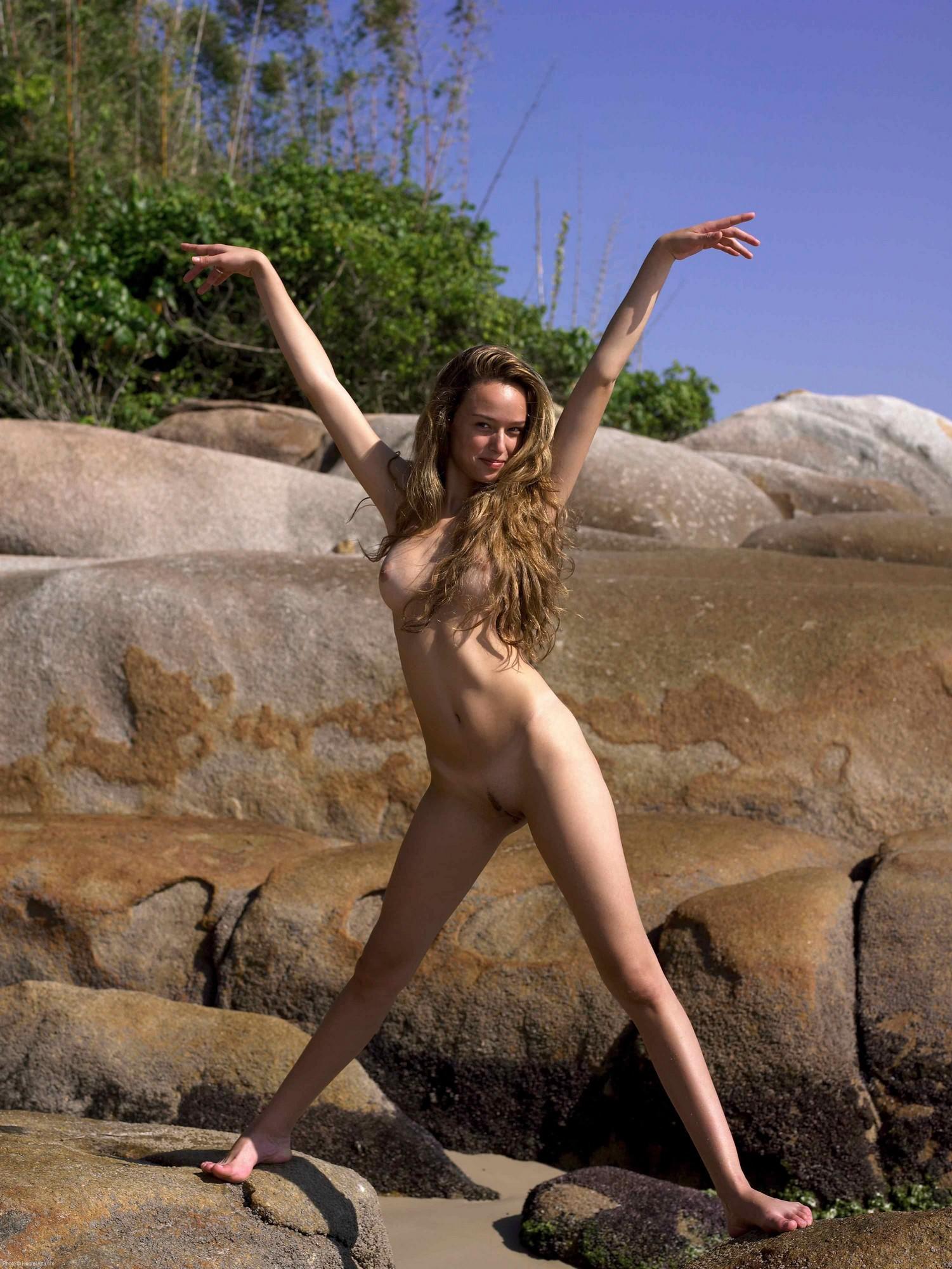 Nudist 9