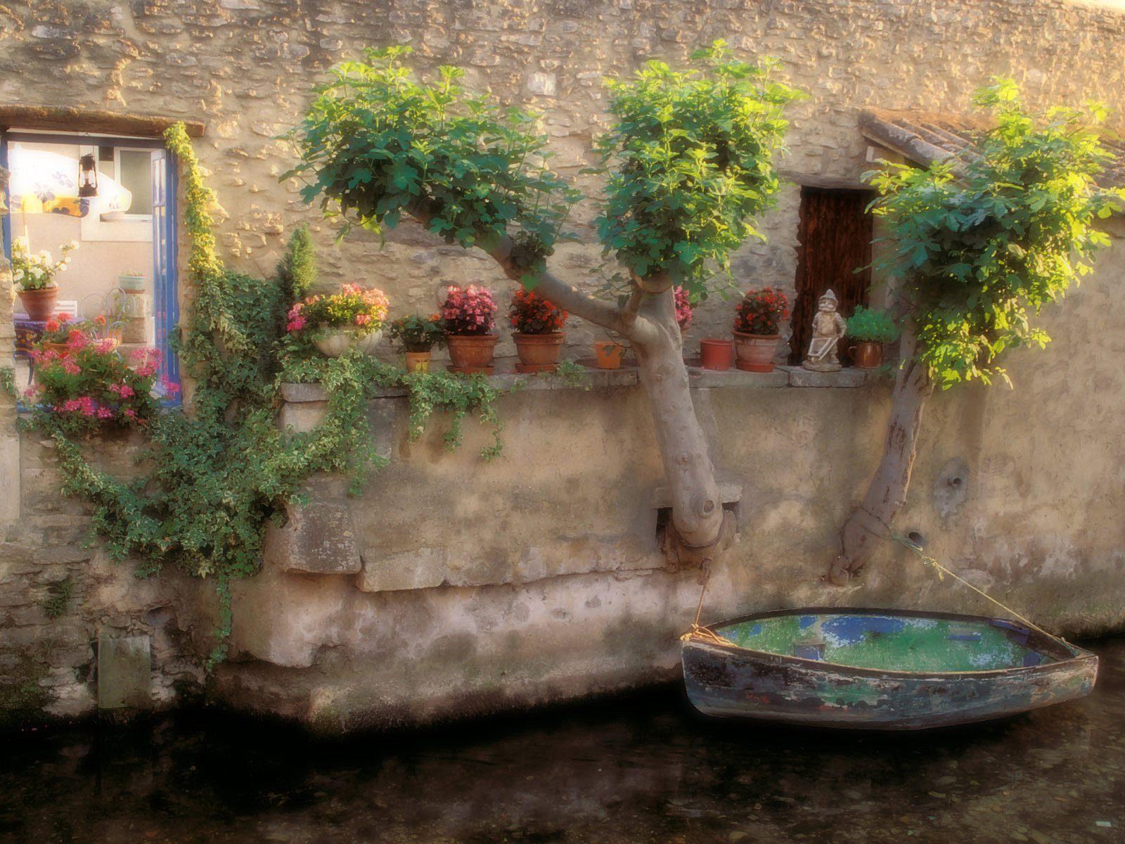 Canals of L 3 Isle sur la Sorgue 7 France