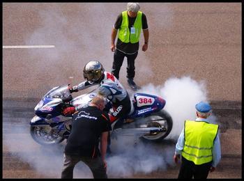 13609298_Motorbike_burnout.jpg
