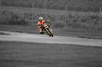 13609299_Motorbike_circuit.jpg