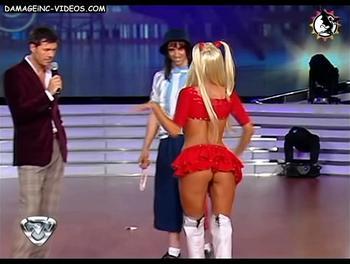 Silvina Escudero upskirt in red miniskirt