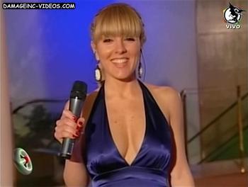 Cora Debarbieri tetas en vestido azul