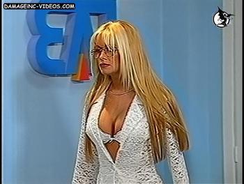 Paula Volpe tits