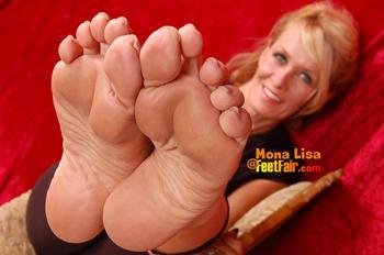 foot job monas